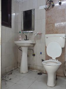Bathroom Image of Comfort Residency in Sector 71