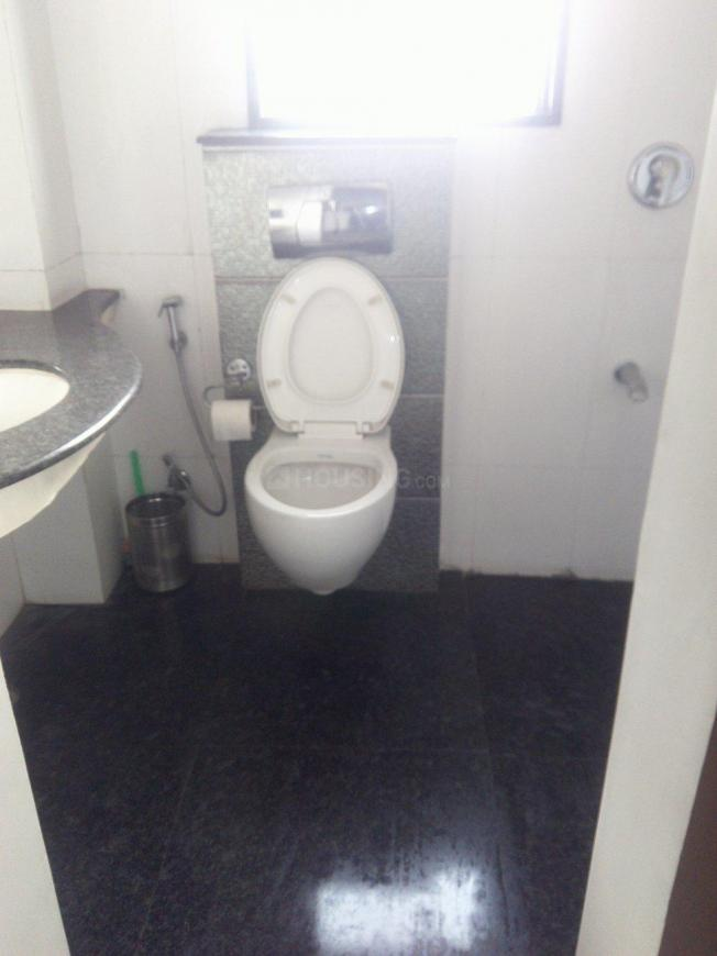Common Bathroom Image of 3600 Sq.ft 4 BHK Independent Floor for rent in Panchsheel Park for 85000