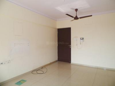 Gallery Cover Image of 945 Sq.ft 2 BHK Apartment for rent in Kandivali East for 30000