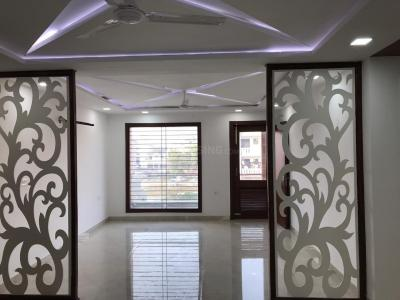 Gallery Cover Image of 2250 Sq.ft 4 BHK Independent Floor for buy in Sector 21D for 10000000