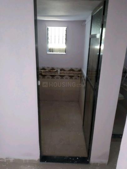 Common Bathroom Image of 750 Sq.ft 1 BHK Independent Floor for rent in Kalu Nagar for 12000
