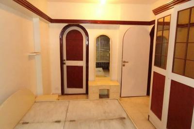 Gallery Cover Image of 700 Sq.ft 1 BHK Apartment for rent in Andheri West for 75000