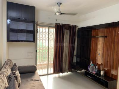 Gallery Cover Image of 820 Sq.ft 2 BHK Apartment for rent in Dombivli East for 13000