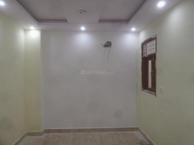 Gallery Cover Image of 675 Sq.ft 2 BHK Apartment for buy in Dwarka Mor for 3600000