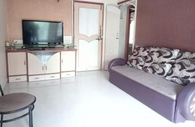 Gallery Cover Image of 500 Sq.ft 1 BHK Apartment for rent in Malad West for 35000