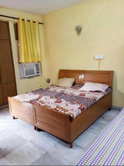 सेक्टर 27 में गर्ल्स पीजी के बेडरूम की तस्वीर