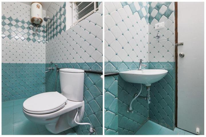 Common Bathroom Image of Oyo Life Chn1250 Kilpauk Metro in Kilpauk