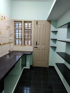 Gallery Cover Image of 1200 Sq.ft 3 BHK Independent Floor for rent in Bikasipura for 15000