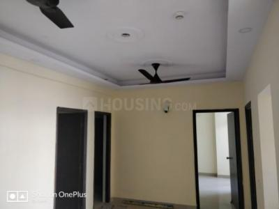 Gallery Cover Image of 1040 Sq.ft 3 BHK Apartment for rent in Mahagunpuram for 7000