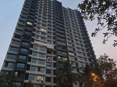 Gallery Cover Image of 1200 Sq.ft 3 BHK Apartment for buy in Rustomjee Pinnacle, Borivali East for 20000000