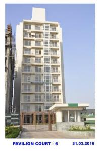 Gallery Cover Image of 1356 Sq.ft 2 BHK Apartment for buy in Jaypee Greens The Pavilion Court, Sector 128 for 5700000