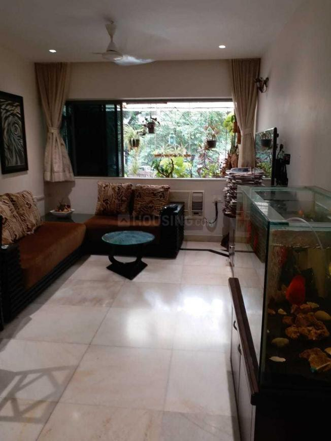 Living Room Image of 800 Sq.ft 2 BHK Apartment for rent in Bandra West for 95000
