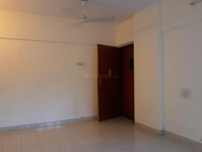Gallery Cover Image of 800 Sq.ft 2 BHK Apartment for buy in Lokhandwala Green Hills CHS, Kandivali East for 13300000
