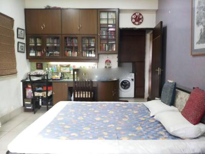 Gallery Cover Image of 1800 Sq.ft 3 BHK Apartment for rent in Ballygunge for 38000