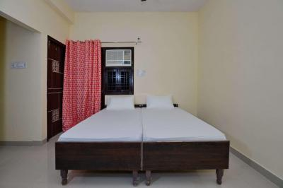 Gallery Cover Image of 1750 Sq.ft 10 BHK Independent Floor for rent in Sector 66 for 6000