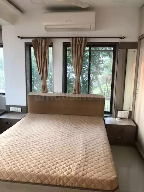 Bedroom Image of 650 Sq.ft 1 BHK Apartment for rent in Andheri West for 55000