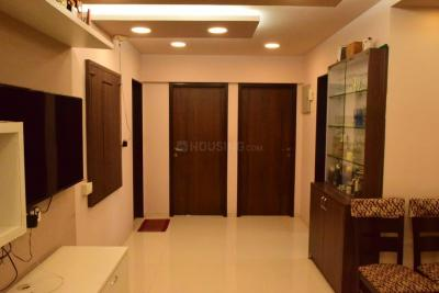 Gallery Cover Image of 950 Sq.ft 2 BHK Apartment for rent in Eastern Winds , Kurla East for 36000
