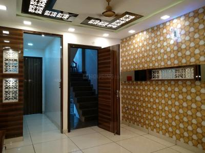 Gallery Cover Image of 600 Sq.ft 1 BHK Independent Floor for buy in Janakpuri for 4700000