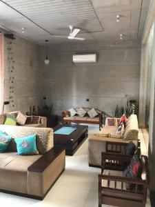 Gallery Cover Image of 7500 Sq.ft 6 BHK Independent House for buy in Vipul World Plots, Sector 48 for 52500000