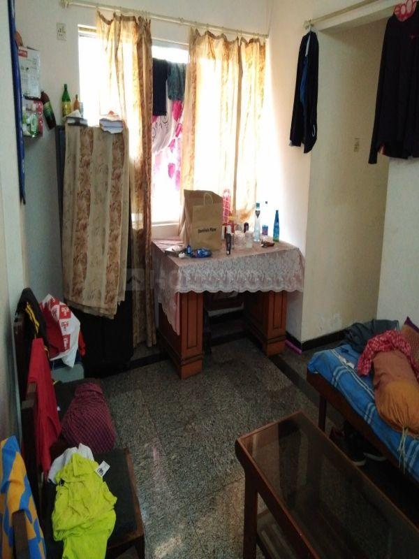 Living Room Image of 550 Sq.ft 1 BHK Apartment for rent in Borivali East for 23000