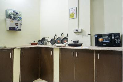 Kitchen Image of Oyo Life Del2203 Uttam Nagar in Bindapur