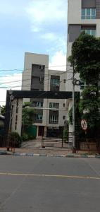 Gallery Cover Image of 1108 Sq.ft 2 BHK Apartment for buy in Fortune Estate, Alipore for 10000000