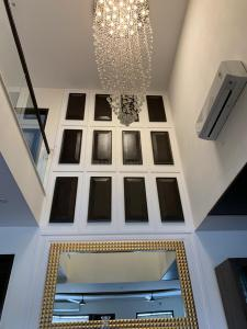 Gallery Cover Image of 7500 Sq.ft 5 BHK Independent House for buy in Sector 52 for 47500000