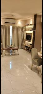 Gallery Cover Image of 916 Sq.ft 2 BHK Apartment for buy in Runwal Gardens Phase 4 Bldg No 33 34, Desale Pada for 5120000