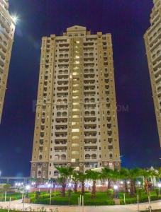 Gallery Cover Image of 1950 Sq.ft 3 BHK Apartment for rent in Sector 137 for 32000