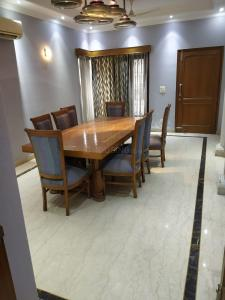 Gallery Cover Image of 9000 Sq.ft 6 BHK Independent House for rent in sector 73 for 175000