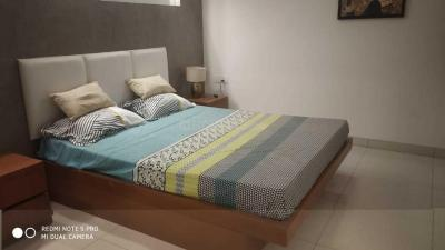 Gallery Cover Image of 974 Sq.ft 2 BHK Apartment for buy in Radiance Icon, Koyambedu for 8766000