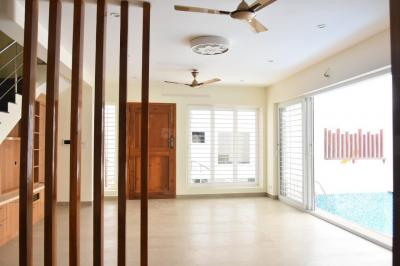 Gallery Cover Image of 2000 Sq.ft 2 BHK Independent House for rent in Palavakkam for 25000