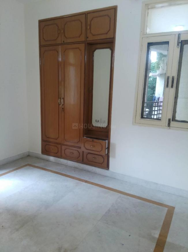 Bedroom Image of 980 Sq.ft 2 BHK Apartment for buy in Sushant Lok I for 9000000