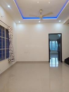 Gallery Cover Image of 1300 Sq.ft 3 BHK Independent Floor for rent in Panaiyur for 25000