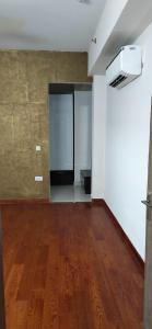 Gallery Cover Image of 3305 Sq.ft 3 BHK Apartment for rent in Laureate Parx Laureate, Sector 108 for 43000