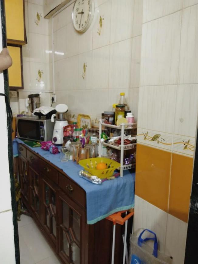 Kitchen Image of 500 Sq.ft 1 BHK Apartment for rent in Malad West for 18000