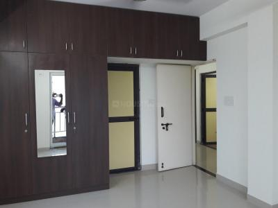 Gallery Cover Image of 1350 Sq.ft 3 BHK Apartment for rent in Sholinganallur for 18000