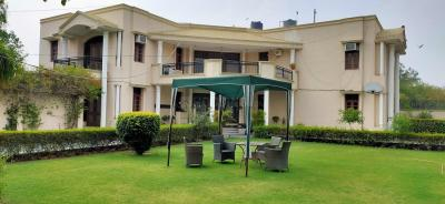 Gallery Cover Image of 9500 Sq.ft 5 BHK Villa for rent in Sainik Farm for 250000