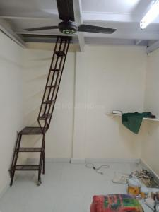 Gallery Cover Image of 200 Sq.ft 1 RK Independent House for rent in Khar East for 9000