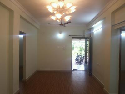 Gallery Cover Image of 1100 Sq.ft 3 BHK Apartment for rent in Manapakkam for 18000