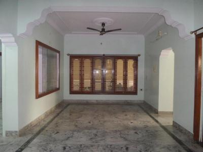 Gallery Cover Image of 900 Sq.ft 2 BHK Apartment for rent in J. P. Nagar for 18000