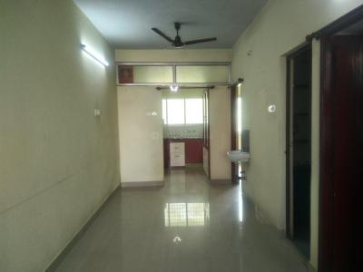 Gallery Cover Image of 1300 Sq.ft 3 BHK Apartment for rent in Ramapuram for 21000