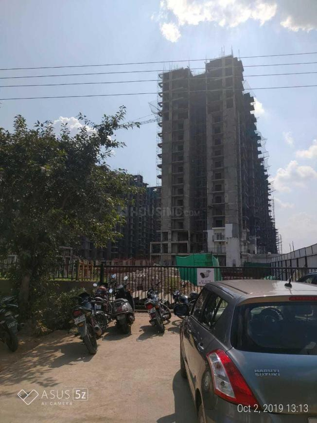 Building Image of 1025 Sq.ft 2 BHK Apartment for buy in Sector 144 for 5500000