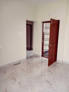 Gallery Cover Image of 800 Sq.ft 2 BHK Independent Floor for rent in Kavin Apartments, Medavakkam for 14000