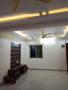 Gallery Cover Image of 1080 Sq.ft 2 BHK Apartment for rent in Electronic City for 13000
