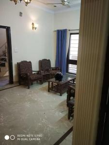Gallery Cover Image of 1800 Sq.ft 2 BHK Independent House for rent in Sector 48 for 25000