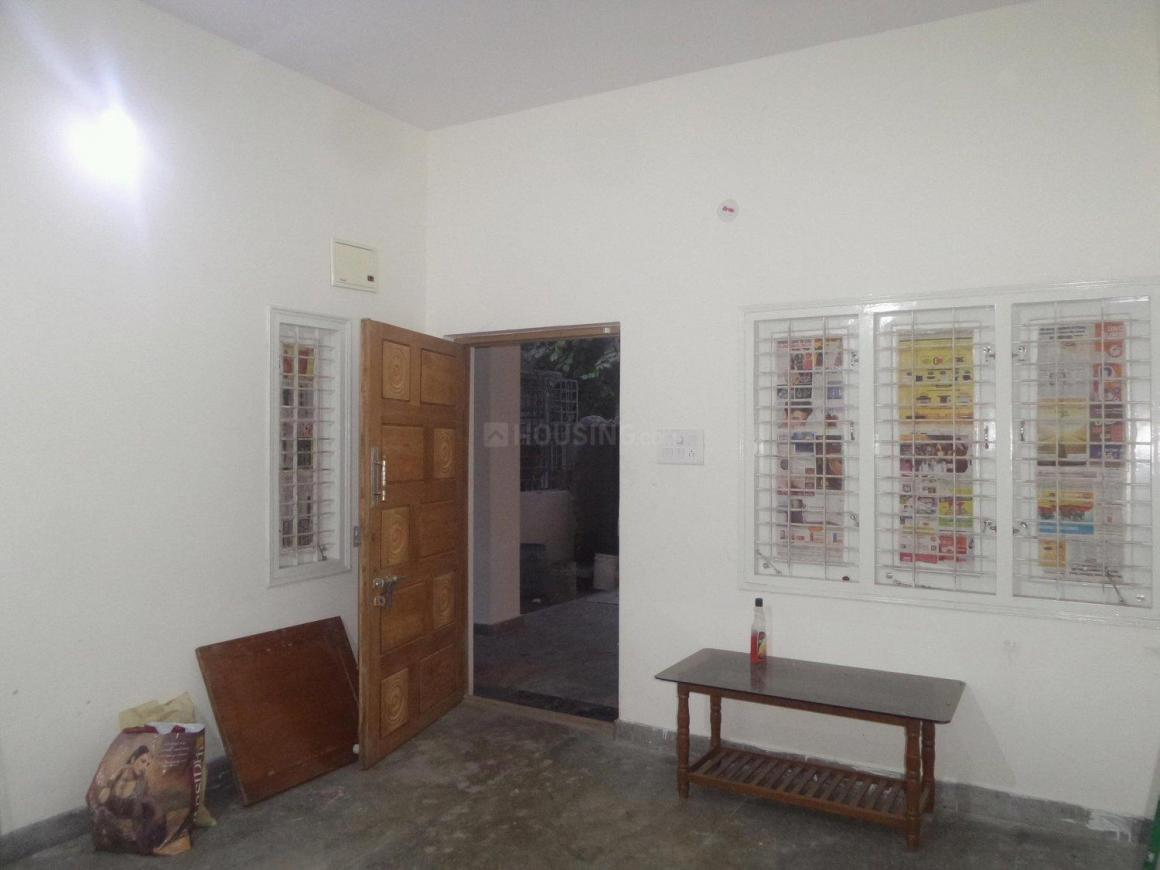Living Room Image of 800 Sq.ft 2 BHK Apartment for rent in J. P. Nagar for 20000