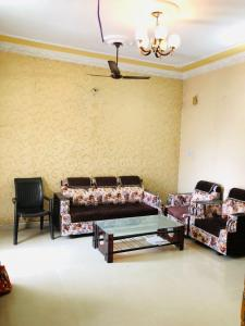 Gallery Cover Image of 3500 Sq.ft 2 BHK Independent House for rent in HUDA for 15000
