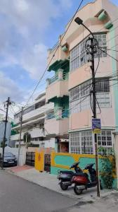 Gallery Cover Image of 2000 Sq.ft 6 BHK Independent House for buy in West Marredpally for 25000000