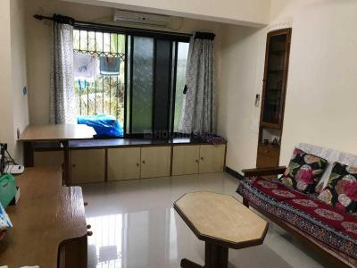 Gallery Cover Image of 800 Sq.ft 2 BHK Apartment for rent in Bandra West for 55000